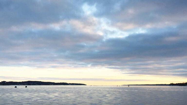 Photo of Lake Simcoe's Kempenfelt Bay during the winter. Credit Adam Ballah.